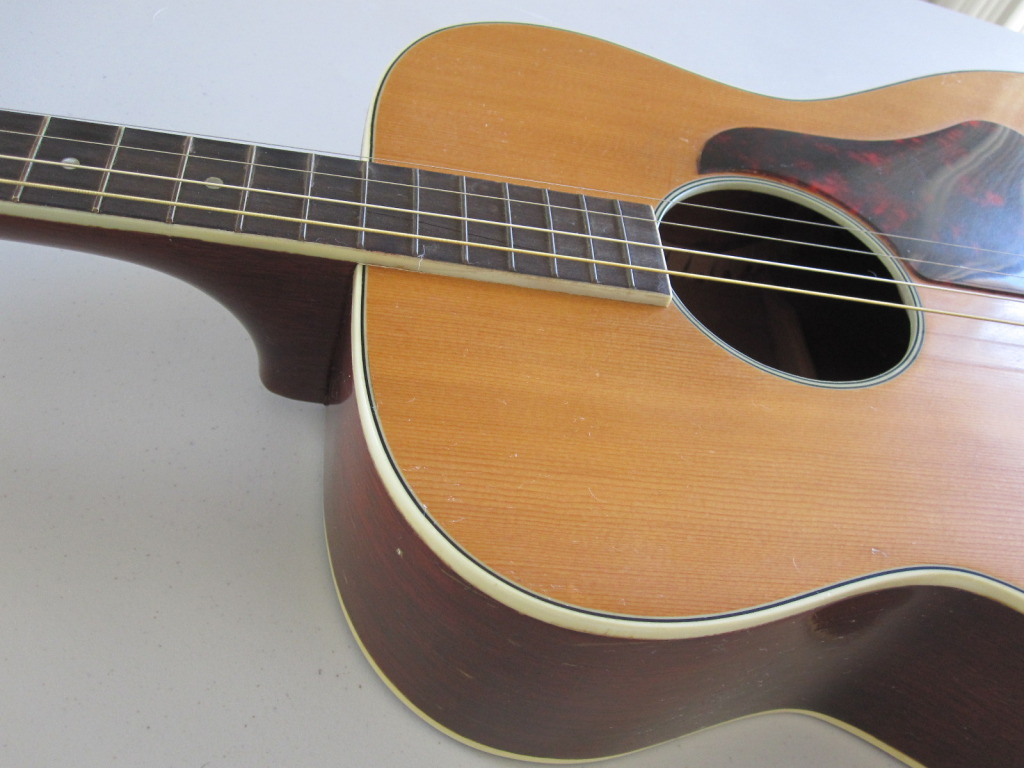 Tenor Sovereign H1201tg Guitar Made By Harmony