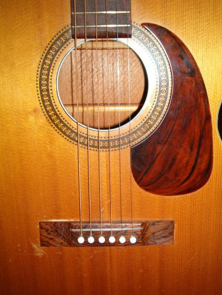 H162 guitar - made by Harmony