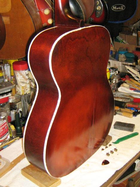 Silvertone lutherie