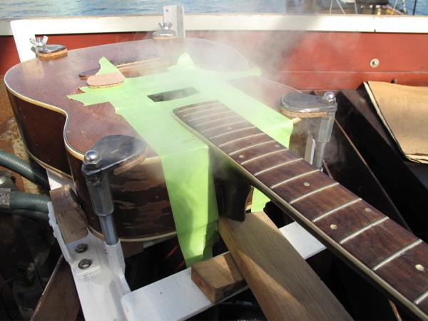 Harmony lutherie : steaming the neck